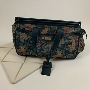 Gloria Vanderbilt tote / travel bag